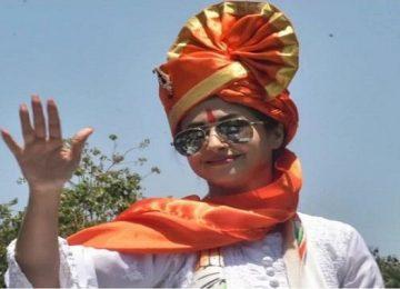उर्मिला मातोंडकर की रैली