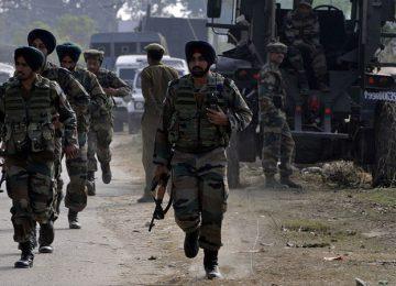 कश्मीर यूनिवर्सिटी गेट पर ग्रेनेड हमला