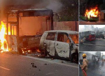 दिल्ली में तीन बसें फूंकी
