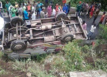 जम्मू-कश्मीर सड़क हादसे में सात की मौत