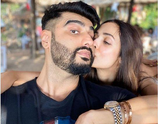 अर्जुन कपूर को मलाइका ने किया KISS
