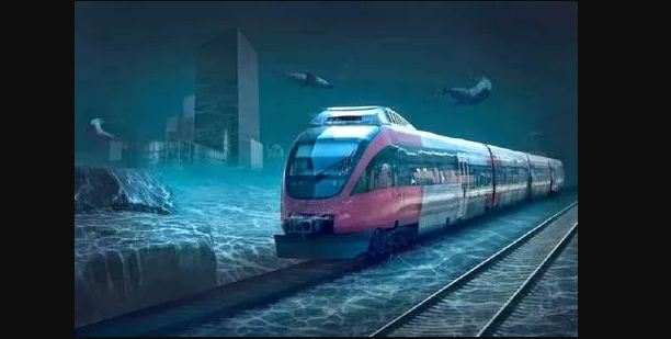कोलकाता में पानी के अंदर दौड़ी मेट्रो