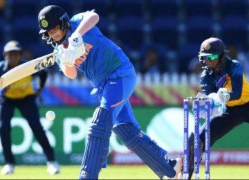 भारत ने श्रीलंका को सात विकेट से रौंदा