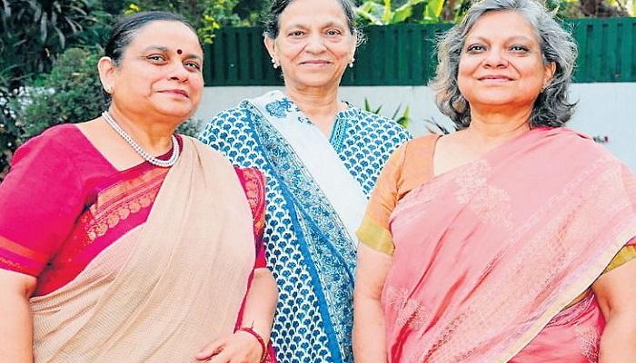 तीनों बेटियां आईएएस