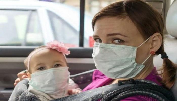 बच्चों को मास्क पहनाना घातक