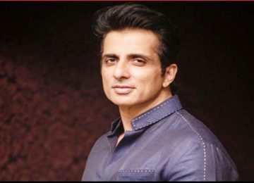 Sonu Sood offers 20 thousand migrant workers home in Noida