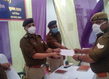 डीसीपी ने पुलिस कर्मियों को किया सम्मानित