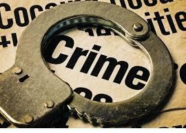 कांटों में चिप लगाने वाला जालसाज चढ़ा पुलिस के हत्थेकर किया लहूलूहान