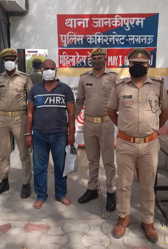 पुलिस ने जुआरी और शराबियों को किया गिरफ्तार