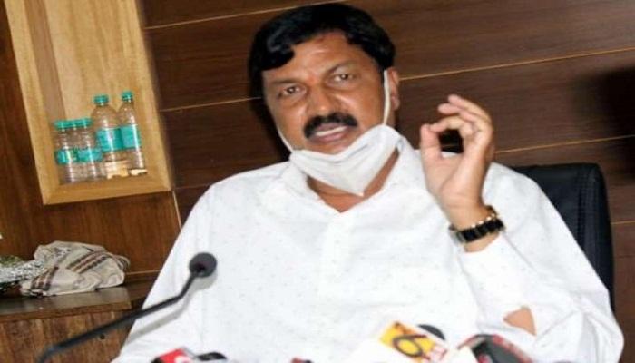 karnatak minister ramesh resigned