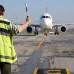 यात्री की तबियत बिगड़ने से लखनऊ आ रही फ्लाइट की करॉची एयपोर्ट पर आपात लैंडिंग