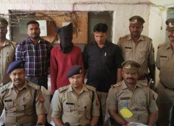 मड़ियांव पुलिस ने अवैध रूप से चल रही तमंचा फैक्ट्री का भंडाफोड़