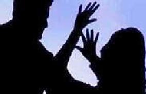 दबंगों ने युवती संग की सरेराह की छेड़छाड़