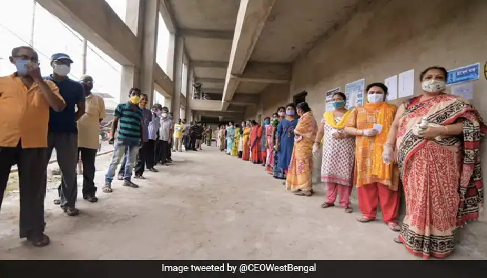बंगाल में चुनावी हिंसा के बीच 76.76 प्रतिशत मतदान