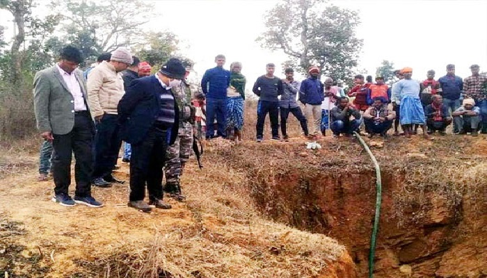 Two laborers died due to wells debris
